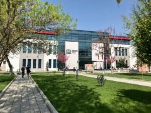 Раздават дипломите на 90 фармацевти в МУ-Пловдив