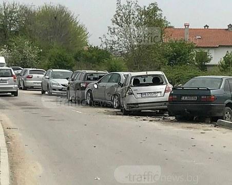 БМВ помете 10 коли край Оазиса в Кючука, шофьорът избяга СНИМКИ+ВИДЕО
