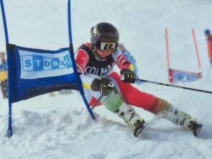 Пловдивски вундеркинд кара със ски легенди на уникално състезание в Италия СНИМКИ