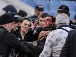 Спас Русев и Левски заклеймиха феновете с бомбичката