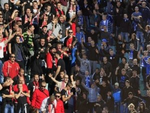 Борят хулиганите по стадионите у нас като в Англия и Испания