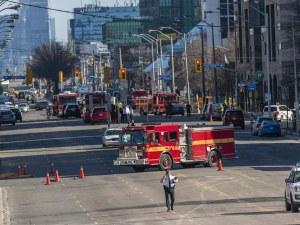 Шофьорът, врязал се в пешеходци в Торонто, получи 10 обвинения за убийство