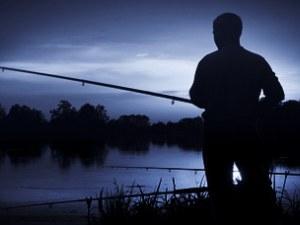 Риболов на тъмно край Пловдив: Глобиха въдичар без улов