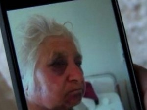 Напрежението расте след жестоките гаври на циганин над 75-годишна жена