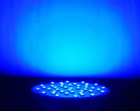 Светлината от смартфони и LED улични лампи увеличавали риска от рак