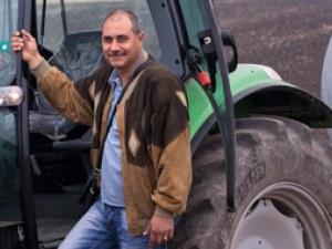 Собственикът на обора в Калояново се явил днес в митницата, полицията го отвела с белезници