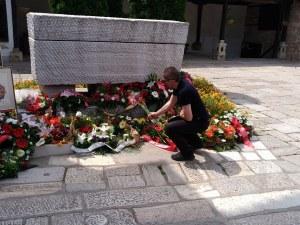 Пловдивски адвокати и зъболекари положиха цветя на гроба на Гоце Делчев