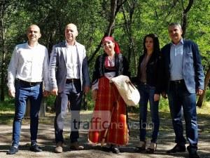 Народен събор в Пловдив на народни цени! Виевската фолк група оглася Лаута ВИДЕО и ПРОГРАМА