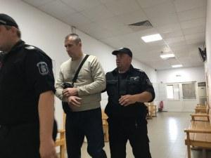 Полицаят Караджов разбрал, че родителите му са убити от ТВ репортаж, докато бил в полицията