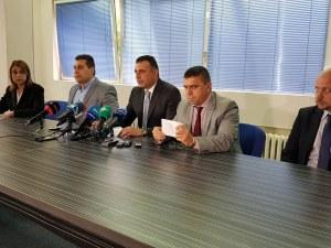 Цинизъм! Над милион  източили арестуваните директори от Здравната каса и пловдивски аптечен бос
