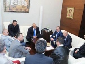 Ден преди да дойде в Пловдив, премиерът застана зад българските превозвачи, те благодарят