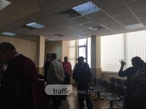 Доведоха с белезници в съда шефовете на Здравната каса ВИДЕО+СНИМКИ