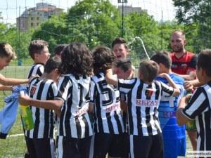 Локомотив набира деца за школата