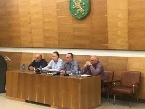 Министър Порожанов обеща: Регистрираните розопроизводители ще получат държавна помощ СНИМКИ
