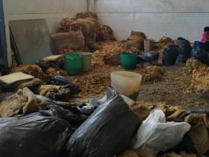 Удар в Столипиново! Разбиха работилница за преработка на тютюн