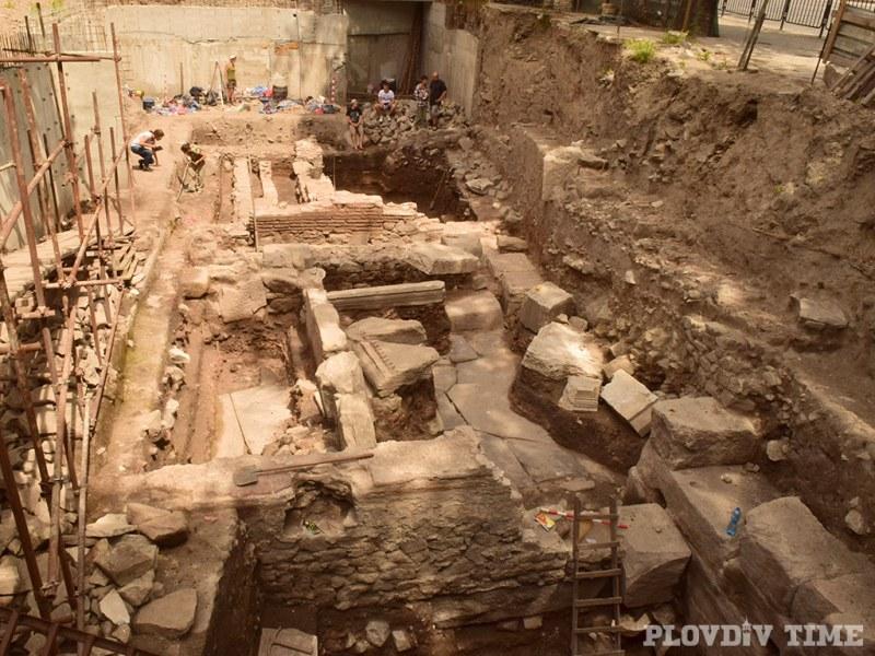 Зловеща находка от историята на Пловдив откриха археолози край Митрополията СНИМКИ