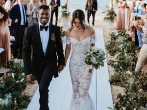 Екзотична красавица на Victoria's Secret се омъжи на плаж в Бахамите СНИМКИ