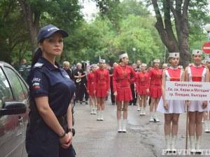 Красива полицайка събра погледите в Пловдив, ето коя е тя СНИМКИ