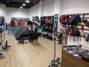 Пловдивчанин се опита да отмъкне дрехи за над 100 лева от спортен магазин