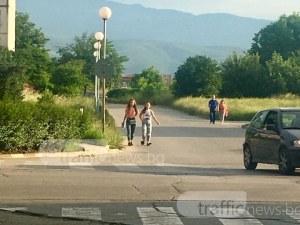 Пловдивска майка всеки ден се моли да стигнат с детето й живи до градината СНИМКИ