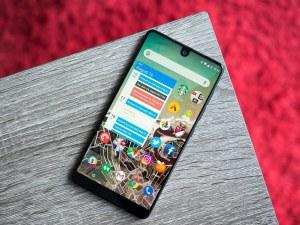 Втори Essential телефон няма да има - продават компанията