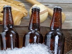 Защо бирените бутилки са винаги кафяви или зелени