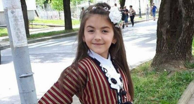 Аквапарк в Турция уби 7-годишната дъщеричка на тенора Веселин Вачев ВИДЕО