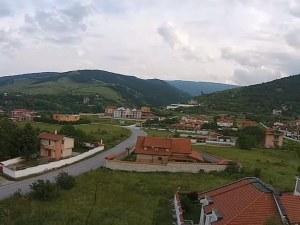 Новите къщи в Белащица остават без разрешително за ВиК? Режат ги за присъединяване