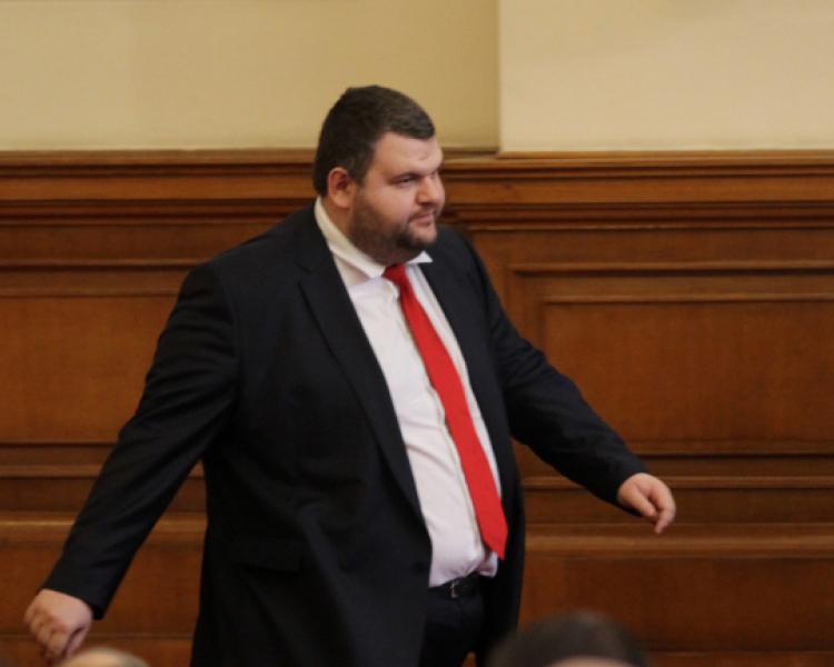 Антикорупционната комисия: Пеевски е изряден данъкоплатец