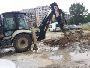 "Тормоз! Трети ден ремонтират водопровод в ЖР ""Тракия"" в Пловдив СНИМКИ+ВИДЕО"