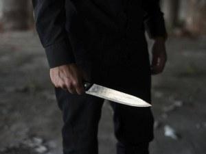 Екшън на автомивка: Наръгаха мъж с нож в гърдите посред бял ден
