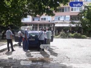 Пипнаха кмет на карловско село с подкуп! Полицията прави обиск в дома му