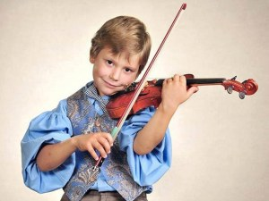 """11-годишен пловдивски цигулар спечели конкурса """"Andrea Postacchini"""" в Италия"""