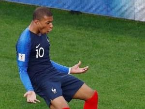 Неубедителна, но ефективна Франция се класира за осминафиналите