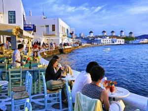 Ще почивате в Гърция? Побързайте с резервациите, свободните места скоро ще са мит