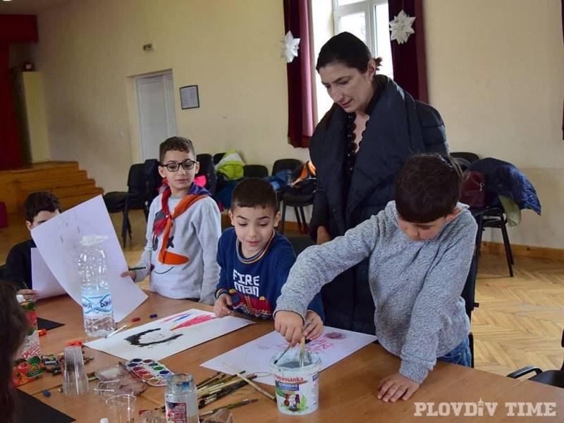 75 деца рисуват по античния мит за Медея