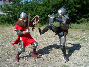 Старт: Стреляне с лък и камъни, надбягване с чували и още средновековни забавления в Пловдив
