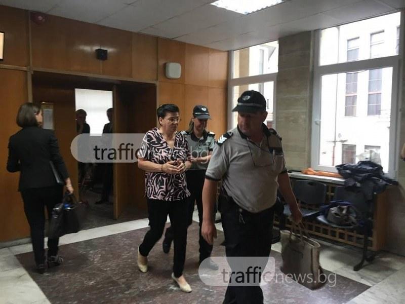 Обрат! Арестуваха Иванка Ройдова в съда