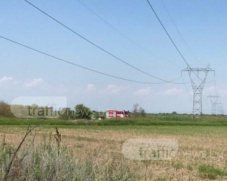 Пловдивски пожарникари са извадили пилота от падналия самолет, в болница е СНИМКИ