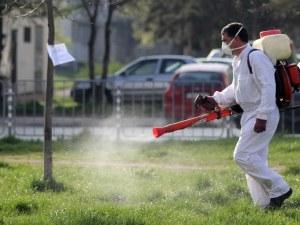 Тежката битка хора - комари в Пловдив продължава! Пръскат масово в три района