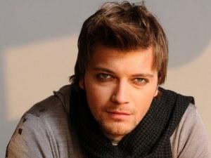Откриха мъртъв в колата му певеца Влатко Илиевски ВИДЕО