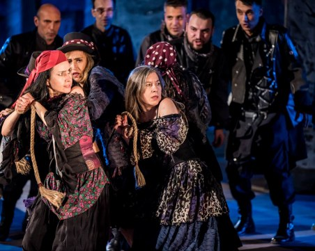 Да пееш под дъжда в Пловдив - мисия невъзможна!