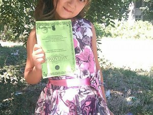 7-годишната Илияна от Пловдивско мечтае за световните модни подиуми СНИМКИ