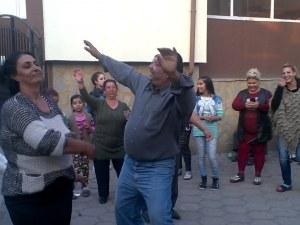 """""""Германците"""" се връщат в Столипиново! Вдигат сватби, правят ремонти"""