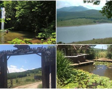 Само на 33 км от Пловдив: Уникална местност за рибари, ездачи и пътешественици СНИМКИ