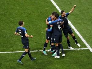 4:2! Франция докосва титлата, хърватски фенове прекъснаха мача