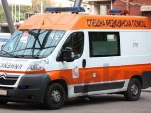Жегата взе жертва в Бургас! Турист се строполи на земята в центъра на града