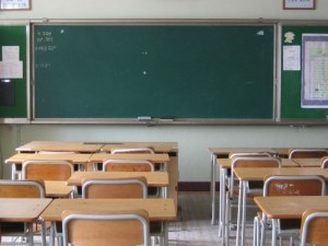 Спирането на дете от училище става престъпление, готвят криминално преследване на родителите
