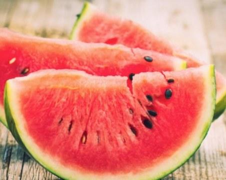 Диетолог разкри кои са най-добрите храни срещу потенето в жегите