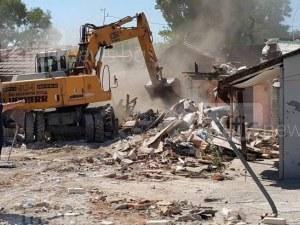 Багери влизат в Аджисана, до месец изриват незаконните къщи и постройки